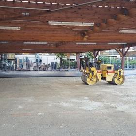 parking d'une jardinerie : r�alisation du rev�tement en enrob�